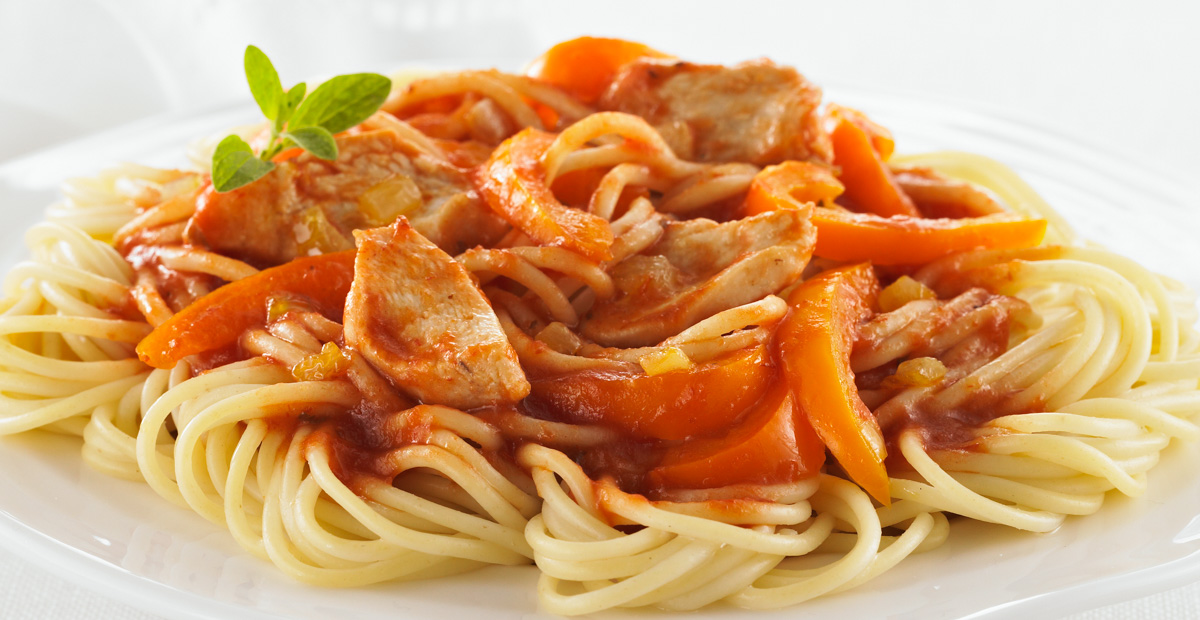 Spaghettini with Chicken, Onion and Pepper